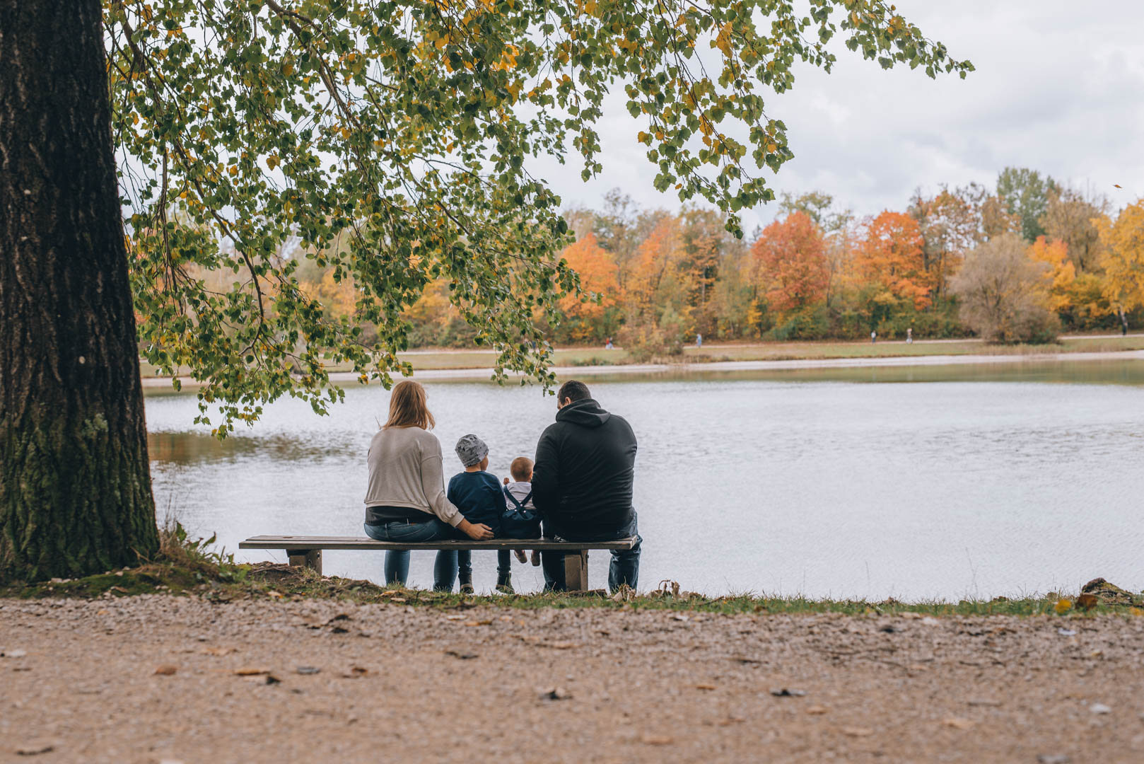 Familienfoto am See