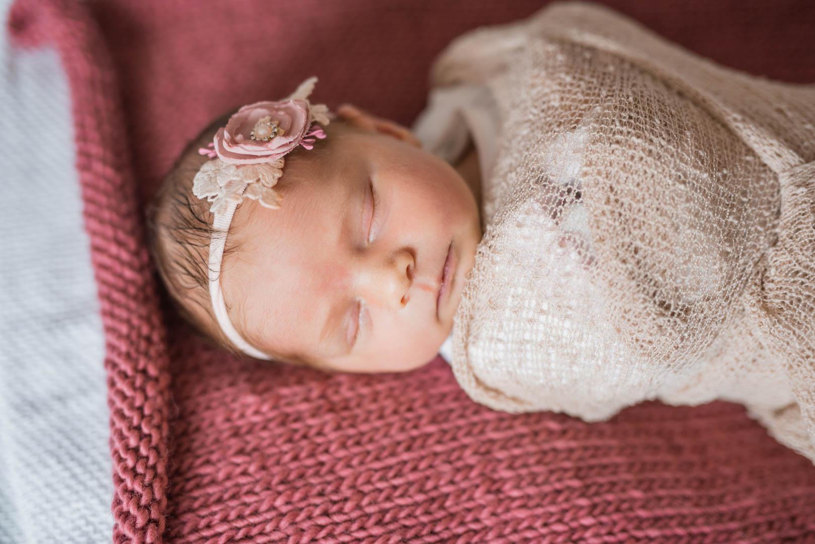 Neugeborenenfoto schlafendes Baby
