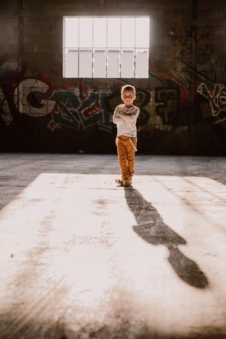 Kinderportrait im Lost Place