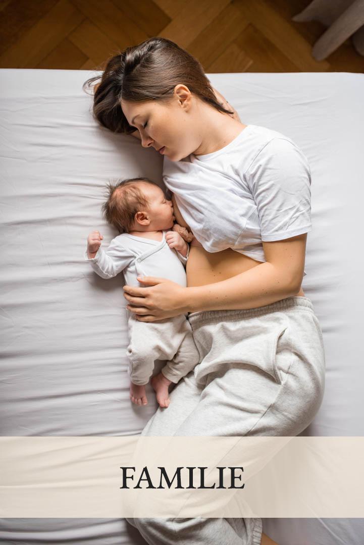 Familienfoto Homestory Mama mit Baby